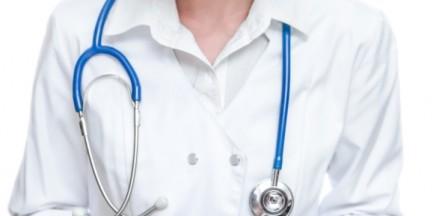 Pacjenta z tętniakiem odesłano na stację benzynową po leki przeciwbólowe