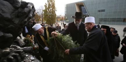 """""""Bóg nie uznaje terroru"""". W Warszawie odbyła się debata przedstawicieli wielu religii"""