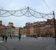 Na Rynku Starego Miasta powstaje lodowisko (ZDJĘCIA)