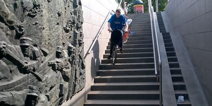 Dewastacja roweru miejskiego [WIDEO]