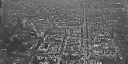 Wystawa nieznanych zdjęć lotniczych Warszawy w Parku Miniatur