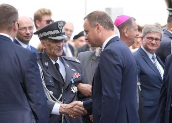 Gen. Ścibor-Rylski i prezydent Andrzej Duda. Fot. (PAP, Fot: Rafał Guz)