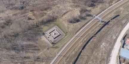 Cmentarz choleryczny okiem drona [NIEZWYKŁE WIDEO]