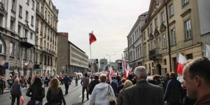 Manifestacje, biegi oraz mecz. Utrudnienia przez cały weekend