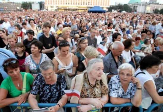 Warszawiacy śpiewają (nie)zakazane piosenki 2015. Fot. Kuba Atys/Agencja Gazeta