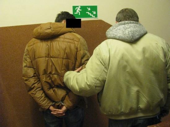 Zatrzymanie podejrzanego. Fot. Policja