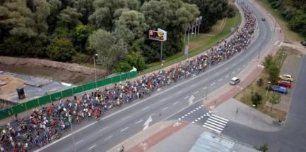 Kolejny przejazd Warszawskiej Masy Krytycznej. Spore utrudnienia w ruchu
