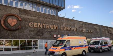 Centrum Zdrowia Dziecka zamyka 4 oddziały