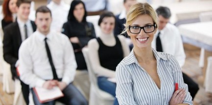 Stołeczne firmy nie dbają o pracowników z doświadczeniem