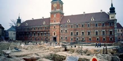Stare Miasto - historie pod brukiem ukryte (SPACER)