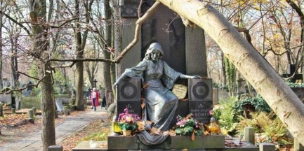 Szaflarska, Olbrychski, Komorowska i inni. Rusza 42 kwesta na ratowanie Starych Powązek