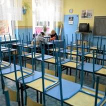 Ponad 700 nauczycieli od września bez pracy