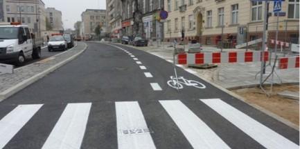 Śródmieście: ścieżki rowerowe czy parkingi?