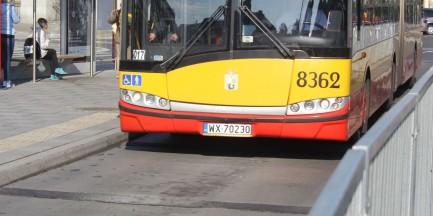 Kierowca MZA oddał mocz w autobusie stojącym na pętli