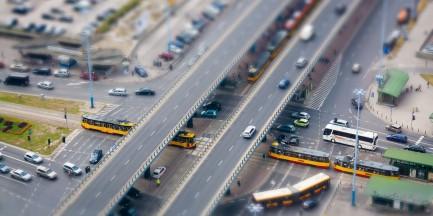 Ile samochodów wjeżdża codziennie do Warszawy? Poznaliśmy dane