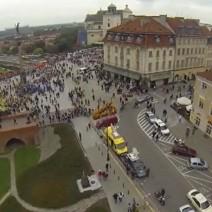 Chcesz kręcić w Warszawie filmy za pomocą drona? Zapłacisz nawet 12 tysięcy!