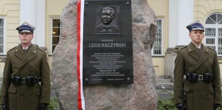"""Gronkiewicz-Waltz: """"Za moich czasów żaden pomnik na Krakowskim Przedmieściu nie powstanie"""