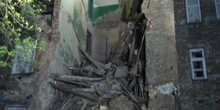 Zawalił się fragment kamienicy na warszawskiej Pradze. Ewakuowano 55 osób