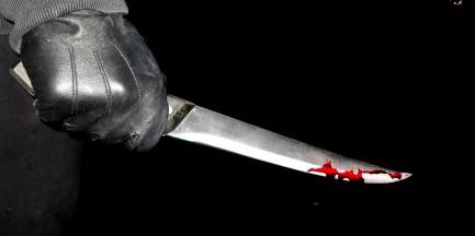 Sąsiad go wkurzył, więc zabił go nożem!