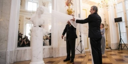 Łazienki Królewskie odzyskały XVIII-wieczne popiersie Diany