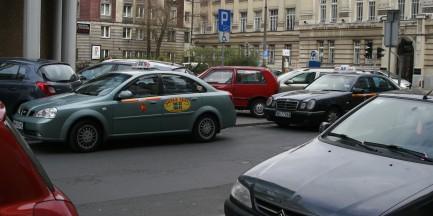 Taksówką z Dw. Zachodniego do Arkadii za... 210 zł