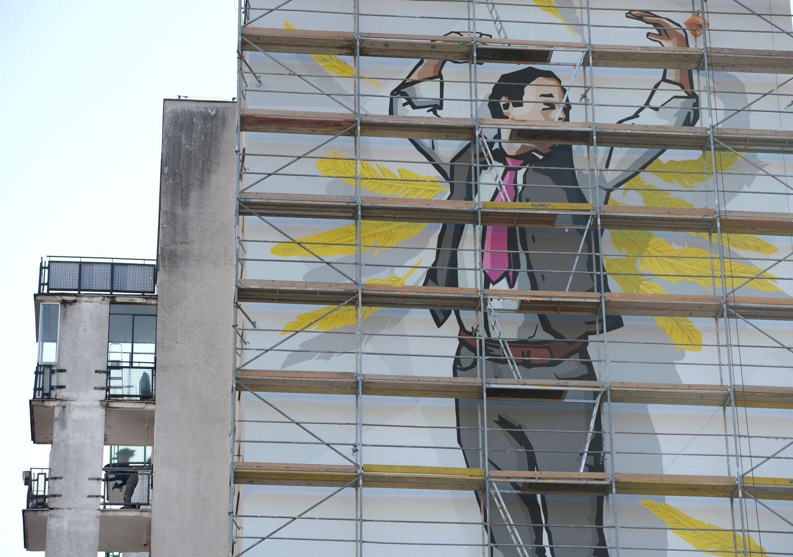Nad wszystkim czuwa gospodarz domu str anio pojawi for Mural alternatywy 4