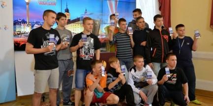 Młodzi futboliści dostali nieoczekiwany prezent