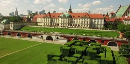 Zamek Królewski widziany z drona [WIDEO]