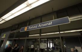 Dodatkowe bramki w metrze!