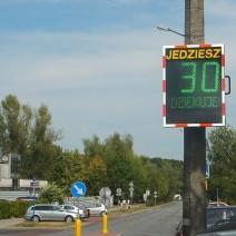 Elektroniczne tablice podziękują warszawiakom za prawidłową jazdę