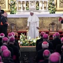 ŚDM: relacja warszawskiego biskupa na Facebooku podbija Internet!