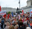 """""""Andrzej Duda pod Trybunał"""". KOD demonstrował na ulicach Warszawy [ZDJĘCIA]"""