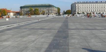 Plac Piłsudskiego gotowy pod koniec października