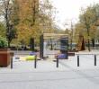 Miasteczko szałasów na pl. Grzybowskim